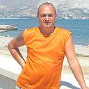 Кис, 51 год