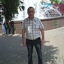 Роман, 63 года